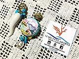 Monachelle zama con corno in ceramica e tamburello dipinto a mano napoletano, chips in turchese e perla in madreperla.