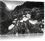 Wundervolle Blumenwiese in den Bergen Kohle Zeichnung Effekt, Format: 120x80 auf Leinwand, XXL riesige Bilder fertig gerahmt mit Keilrahmen, Kunstdruck auf Wandbild mit Rahmen, günstiger als Gemälde oder Ölbild, kein Poster oder Plakat