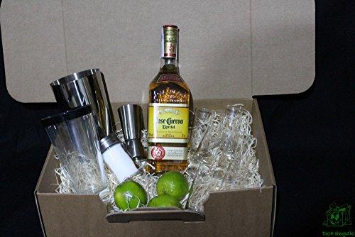 donregaloweb-cesto-regalo-i-love-tequila-con-ghu-gtu-per-los-liquore-e-cocktail
