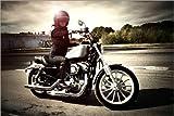 Posterlounge Holzbild 180 x 120 cm: Bikerin auf Ihrem Motorrad von Editors Choice