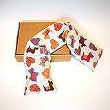 Cojín Cervical braga con huesos de cereza (950gr.–58x 12x 5cm) con perros y corazones.–terapia Cálido Frío. Producto de Emilia Romagna