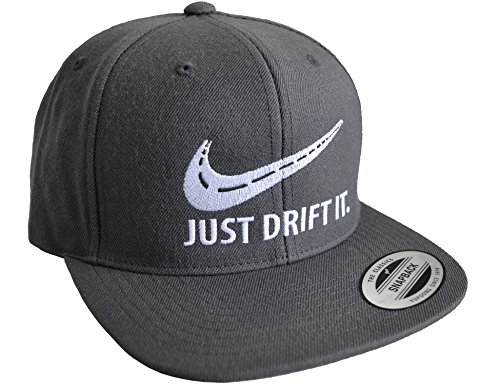 Petrolhead Industries: Just Drift It - Cap für alle Tuning-, Drift-, und Motorsport Fans - Classic Snapback von Flexfit (One Size) Dunkelgrau