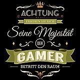 Fashionalarm Herren T-Shirt - Seine Majestät der Gamer betritt den Raum | Fun Shirt mit Spruch als Geschenk Idee für Hobby Freizeit Gaming Zocken, Farbe:schwarz;Größe:M -