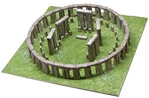 Stonehenge model kit 1:135