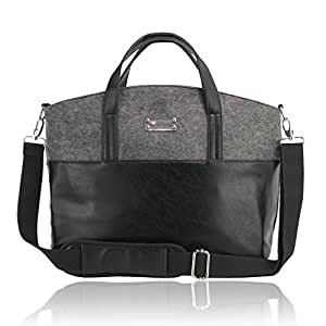 Geräumige Wickeltasche inklusive wasserdichter Wickelunterlage für unterwegs und Universal Befestigungshaken für den Kinderwagen von Herzmutter.