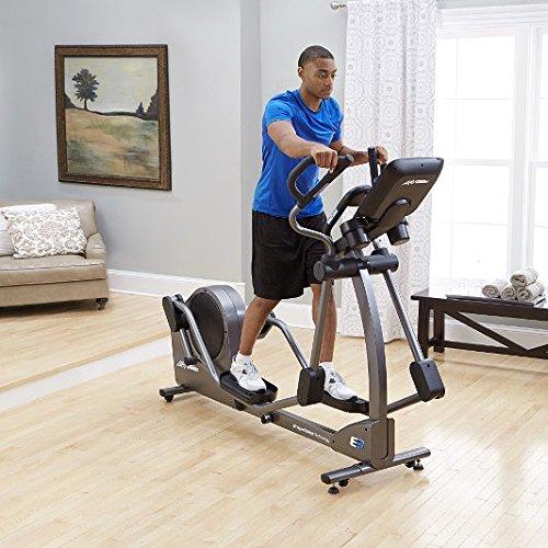 Life Fitness E3 Ellipsen-Crosstrainer mit Track+ Console, E3 - 2