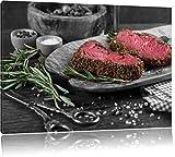 Saftiges Steak Zubereitung schwarz/weiß Format: 120x80 cm auf Leinwand, XXL riesige Bilder fertig gerahmt mit Keilrahmen, Kunstdruck auf Wandbild mit Rahmen, günstiger als Gemälde oder Ölbild, kein Poster oder Plakat