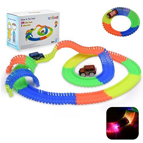 wister Tracks mit 2 Blinken Autos - HEYSAMO Neon Glow Starter set inklusive 220 Stück (11 feet) Tracks + 2 E-Autos, Spielzeug Rennbahn für Kinder 3 Jahre und Bis. (Spielzeug Autos Kinder)