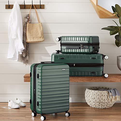761d357596 AmazonBasics - Trolley rigido Premium con rotelle pivotanti e lucchetto TSA  integrato - 68 cm, Verde