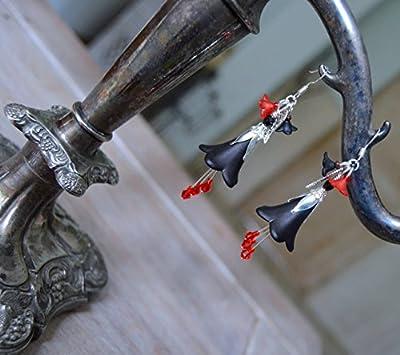 """Boucles d'oreilles fleurs gothiques noir et rouge - bijoux vampir avec""""gouttes de sang"""" - bijoux pour Halloween""""les fleurs du mal"""" - mode egl strega fashion"""