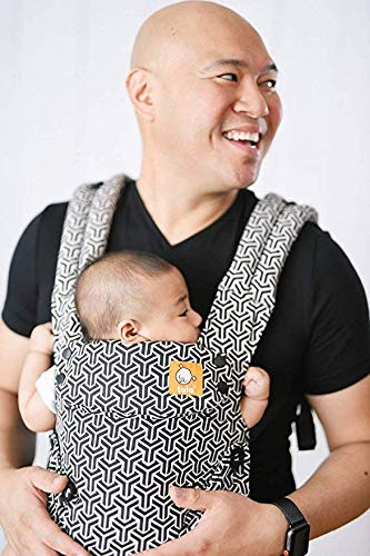 Baby Tula Explore Baby Carrier 3.2 - 20.4 kg, Adjustable Newborn to Toddler Carrier, Multiple Ergonomic Positions, Front and Back Carry, Easy-to-Use, Lightweight - Forever, Black/White Geometric Print Tula EVERY CARRY POSITION YOUR BABY WILL NEED, INCLUDING OUTWARD FACING: Multiple positions to carry baby including front facing out*, facing in, and back carry. Each position provides a natural, ergonomic position best for comfortable carrying that promotes healthy hip and spine development for baby. INNOVATIVE BODY PANEL WITH AN EASY-TO-ADJUST DESIGN: Adjusts in three width settings to find a perfect fit as baby grows from newborn to early toddlerhood. PADDED, ADJUSTABLE NECK SUPPORT PILLOW: Can be used in multiple positions to provide head and neck support for newborns and sleeping babies. 4