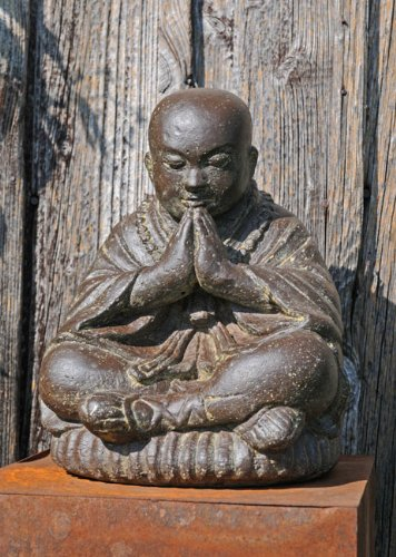 k.a. Sitzender Shaolin Mönch Stein Antiklook Buddha wetterfest