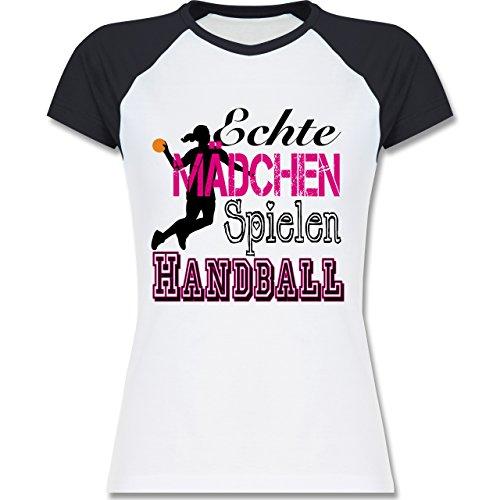 Shirtracer Handball - Echte Mädchen Spielen Handball - M - Weiß/Navy Blau - L195 - Zweifarbiges Baseballshirt/Raglan T-Shirt für Damen (Mädchen-raglan-t-shirt Weiße)