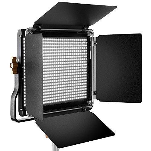Neewer Pannello Luce LED con Supporto Staffa-U e Barndoor Luce Professionale per Studio, YouTube, Foto di Prodotti e Registrazioni Video, Guscio in Metallo Durevole, 660 Bulbi LED, 5600K, CRI 96+ (Spina UE)