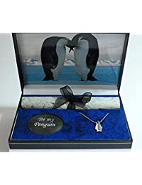 Caja de regalo de pingüinos, diseño de beso de emperadores, con piedra y colgante