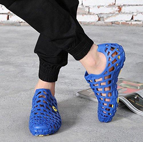 Uomini Slip On Clogs 2017 Summer Hollow scarpe di panno di panno le scarpe traspiranti della spiaggia delle coppie della spiaggia b