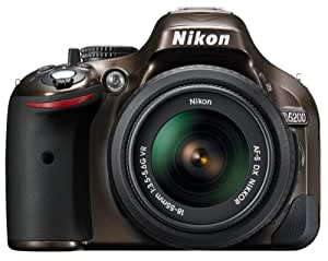 Nikon D5200 SLR-Digitalkamera (24,1 Megapixel, 7,6 cm (3 Zoll) TFT-Display, Full HD, HDMI) Kit inkl. AF-S DX 18-55 mm VR Objektiv bronze