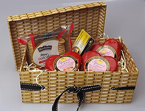 Strawberry Cheese Hearts & Biscuits Gift Box + Free Cheese