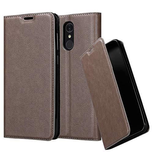 Cadorabo Hülle für LG Q7+ (Plus-Version) - Hülle in Kaffee BRAUN - Handyhülle mit Magnetverschluss, Standfunktion & Kartenfach - Case Cover Schutzhülle Etui Tasche Book Klapp Style