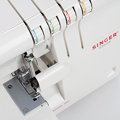 Máquina Singer 14SH654
