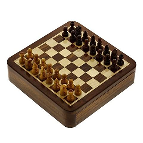 Travel Games Magnetic Chess Sets and Board Wooden Toys and Games 12.7 x 12.7 Cms