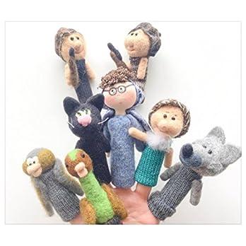 """Fingerpuppen aus gefilzter Wolle und musikalischer Strickgeschichte """"Pierre und der Wolf"""""""