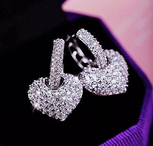 swarovski-elements-sparkling-diamond-stud-earrings