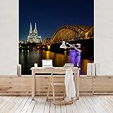 Apalis Vliestapete Köln bei Nacht Fototapete Quadrat | Vlies Tapete Wandtapete Wandbild Foto 3D Fototapete für Schlafzimmer Wohnzimmer Küche | Größe: 336x336 cm, mehrfarbig, 97781
