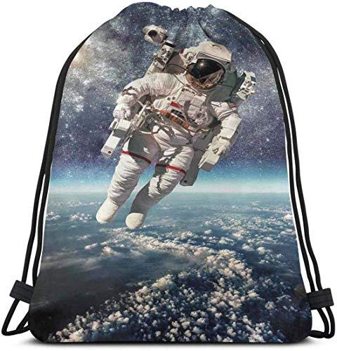 Rucksack mit Kordelzug Unisex-Tasche Für das Reisen im Fitnessstudio schwimmt der Astronaut im Weltraum mit dem Planeten Erde Globus Surreal Gravity Image Space Art