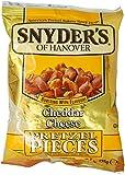 Snyder's Pezzetti di Brezel al Formaggio Cheddar, Pane, Confezione da 125g