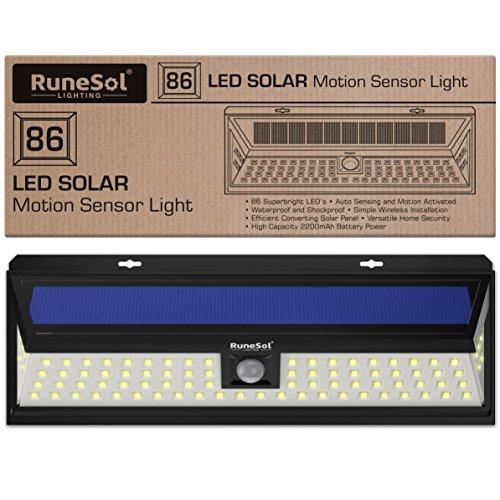 RuneSol 86 LED Motion Sensor Illuminazione panello LED lampada solare a led da esterno | Luci da giardino solare a LED da esterno - Accendi con le lampadine il tuo Patio, Recinzione,Giardino,Strada priva