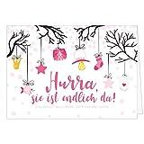Große Design Glückwunsch-Karte XXL (A4) zur Geburt, Motiv: Hurra, sie ist endlich da - für Mädchen/mit Umschlag/Edle Klappkarte/Maxi Gruß-Karte/Baby geboren/Gratulation Eltern