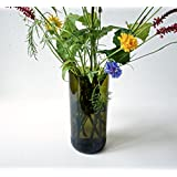 Blumenvase aus upgecycelter Weinflasche