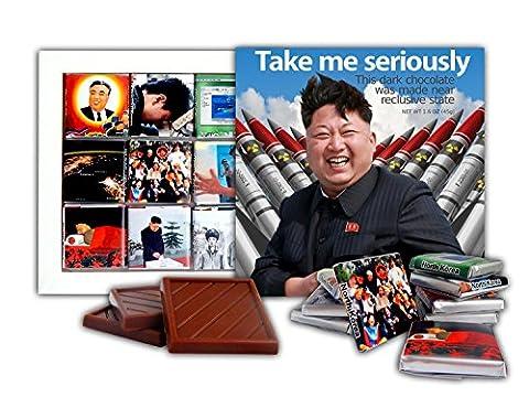 DA SCHOKOLADE Nette Süßigkeit TAKE ME SERIOUSLY Schokoladen Geschenk Set Präsident von Nordkorea Kim Jong-un Design 13x13cm 1 Karton (Rockets)