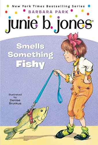 Junie B. Jones #12: Junie B. Jones Smells Something Fishy (Stepping Stone Books)