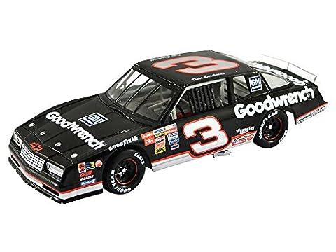 NASCAR DALE EARNHARDT #3 GOODWRENCH CHEVROLET MONTE CARLO 1989 1/64 DIECAST MODEL