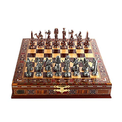 Piezas hechas a mano. Las figuras del juego de ajedrez de metal están fabricadas en Turquía con acabado de alta calidad y están hechas a mano con recubrimientos especiales y pintura sobre el primer grado y materiales de moldeo. Utilizamos Zamak co...
