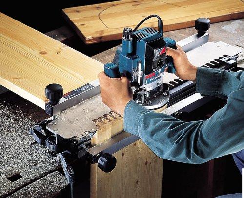 Bosch GOF 900 CE Professional Oberfräse im Karton mit Kopierhülse, Spannzange, Absaugadapter, Gabelschlüssel, Parallelanschlag und Zentrierstift - 4