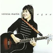 Agua by Vanesa Martin (2014-08-03)