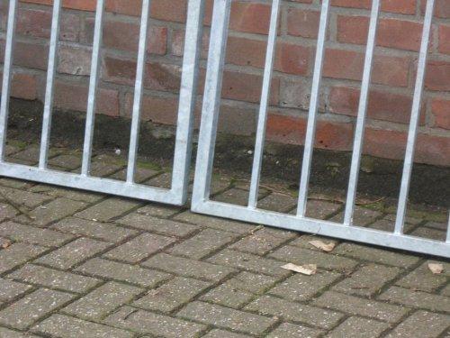Hochwertiges, 2-flügeliges Tor / Verzinkt / Einbaubreite: 550cm - Einbauhöhe: 180cm - Inklusive 2 Pfosten (60mm x 60mm) / Gartentor Einfahrtstor Hoftor