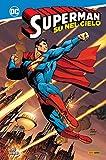 Su nel cielo. Superman
