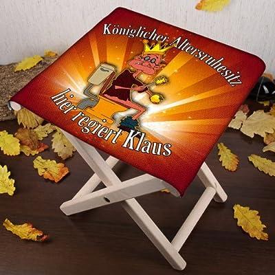 Lustapotheke® lustiger Klappstuhl aus Holz mit Wunschname - Königlicher Altersruhesitz - zur Rente von Lustapotheke® bei Gartenmöbel von Du und Dein Garten