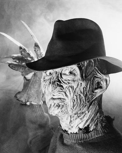 Moviestore Robert Englund als Fred Krueger in A Nightmare on Elm Street 25x20cm Schwarzweiß-Foto