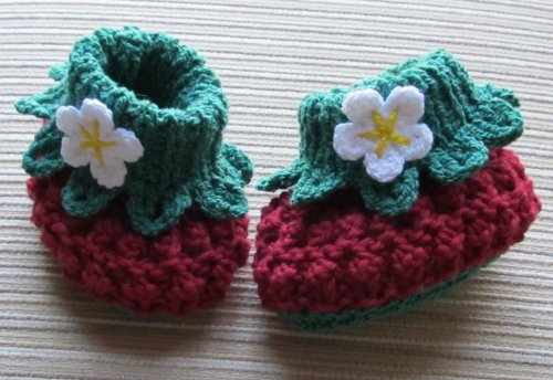 Knitting and Crochet Pattern Cotton Berry Booties for a Baby Girl 3-6, 6-12 Months (English Edition) Baby Girl Bootie