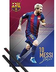 Póster + Soporte: Fútbol Póster (91x61 cm) Barcelona, Messi 16/17 Y 1 Lote De 2 Varillas Negras 1art1®