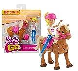 Barbie FHV63 On The Go Puppe (blond) & hellbraunes Mini Pony mit pinkfarbenem Sattel