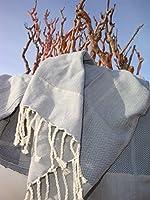 Fouta Playa: tessuto eccezionale, tessuto in 100% cotone di altissima qualità.  Veramente morbido, con un elegante motivo a lisca di pesce. Questi asciugamani sono davvero ottimi. E le frange extra lunghe saltano all'occhio. Ideale anche com...