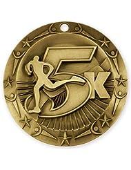 5K Marathon Clase Mundial Gold Medal con lazo de cuello, color rojo, azul y blanco