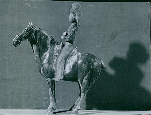 vintage-photo-of-horse-with-rider-in-big-red-hat-from-an-italian-collection-from-the-tang-period-618