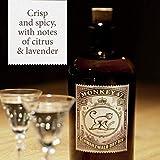 Monkey 47 Schwarzwald Dry Gin – Harmonischer Gin mit Wacholderaroma & frischen Zitronen- und Fruchtnoten – Britische Tradition, indische Exotik & Schwarzwälder Handwerk – 1 x 0,5 L - 4